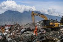 Indonésia registra mais de 1,9 mil mortes após chegada de terremoto e tsunami