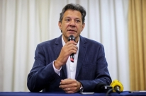 Haddad visita Lula em Curitiba e discute rumos do segundo turno