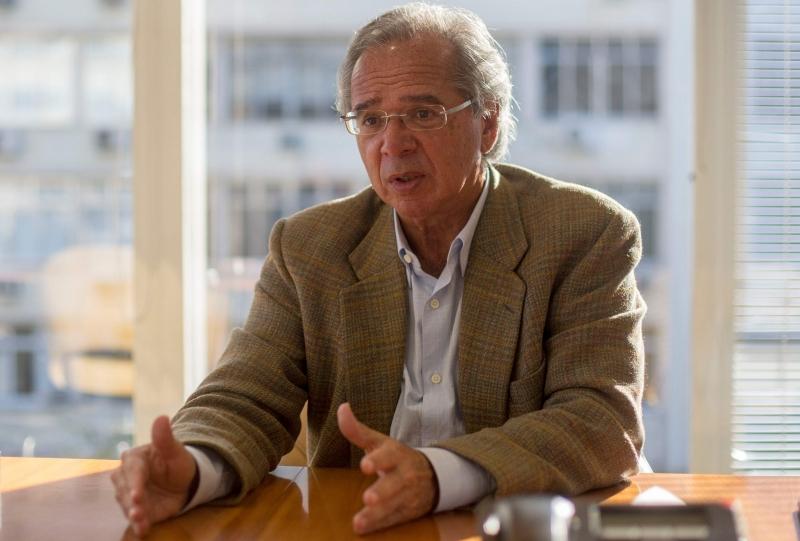 Guedes disse que foi mal interpretado sobre alíquota do imposto de renda