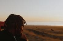 Filme Djon África tem sessão seguida de debate nesta segunda na Cinemateca Capitólio