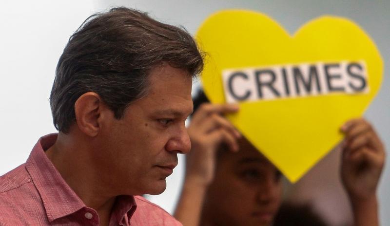 'Bolsonaro é violência, é bala, é desrespeito', afirmou Haddad em coletiva