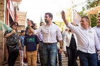 Leite faz campanha em reduto eleitoral de Sartori