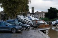 Cheias expulsam moradores de casas no sul da França