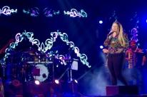 Araújo Vianna recebe a cantora sertaneja Marília Mendonça