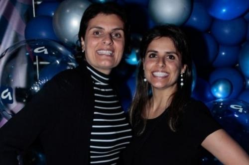 As irmãs Ana Paula Ferrão Cardoso, diretora da Pompéia, e Ana Luiza Ferrão Cardoso, diretora da Gang, curtiram o Z Festival, no Pepsi On Stage
