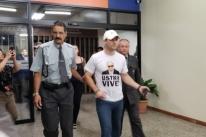 Jovem com camisa 'Ustra Vive' causa confusão na Pucrs