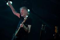 Roger Waters se manifesta contra Bolsonaro em Curitiba dentro do horário permitido por lei
