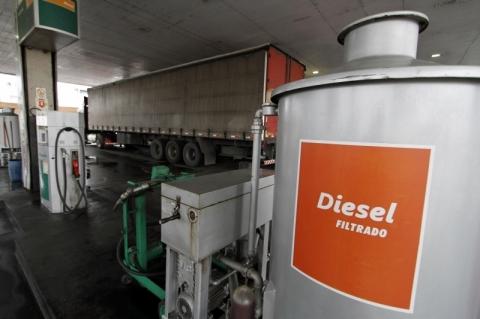 Preço médio do diesel no Brasil está 14% abaixo da média mundial, diz consultoria