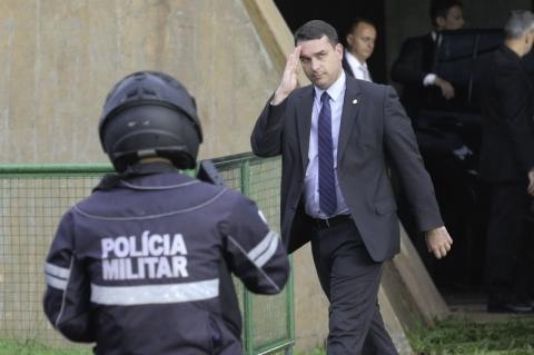 Desembargador que deu decisão pró-Flávio publicou críticas a direitos humanos