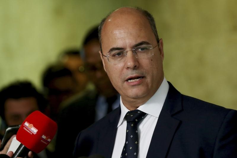 Governador sofrerá o impeachment se dois terços do tribunal forem favoráveis à sua condenação