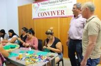 Desenvolvimento Social realiza oficina de artesanato de Natal