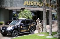 Após cerca de três horas, termina depoimento de Lula em Curitiba