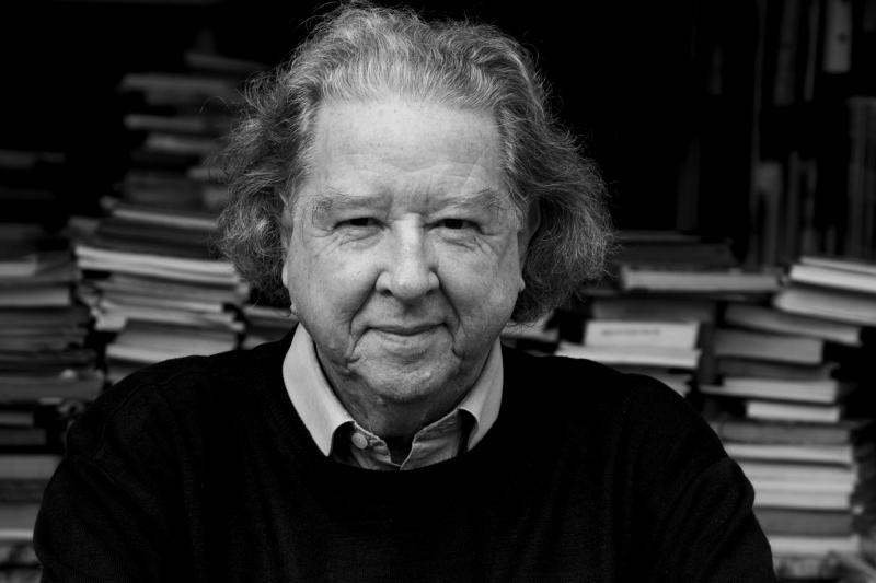 Schlee tinha 83 anos e continuava na ativa lançando livros e contando histórias