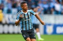 Grêmio derrota a Chapecoense e se garante na pré-Libertadores