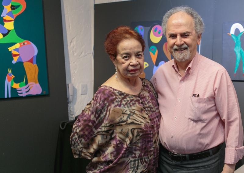 Zuneide e Britto Velho na abertura da mostra na Gravura Galeria