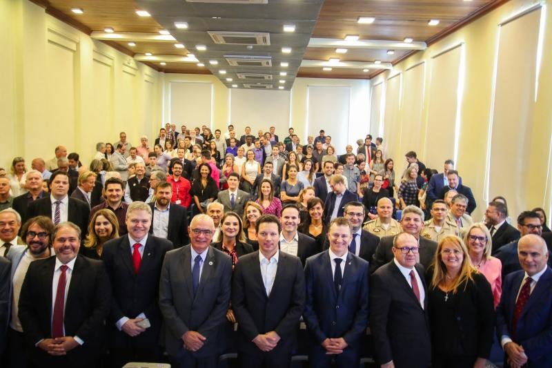 Iniciativa reúne Pucrs, Ufrgs, Unisinos, governos municipal, estadual e empreendedores