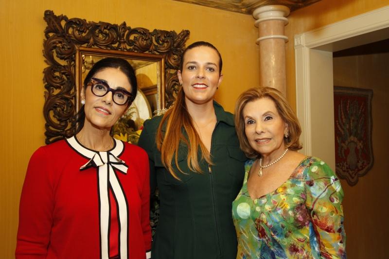 Susana Estefenon, Karime Costalunga e Lucila Osório organizaram o encontro
