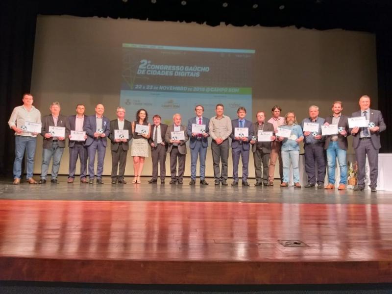 Ao todo 17 prefeitos e onze municípios receberam os títulos de inovadores