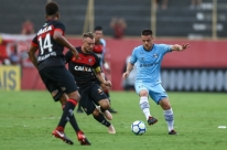 Grêmio só empata com Vitória e pode perder quarto lugar para o São Paulo