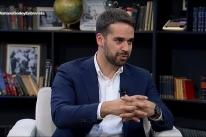 Em entrevista, Eduardo Leite dá 'voto de confiança' a Bolsonaro