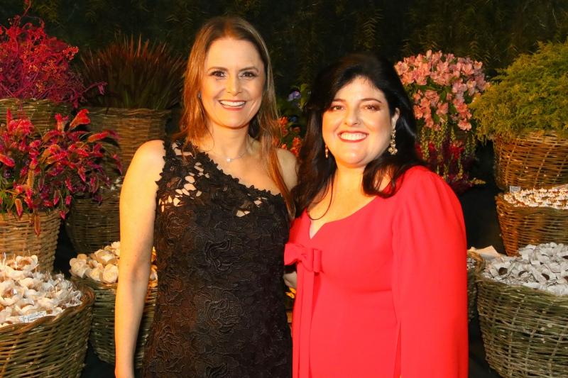 Ana Semmelmann e Carla Merlin Ribeiro no casamento de Mariana Viale Pereira e Tiago Coelho Silva