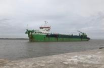 Dragagem já limpou 1,7 milhão de metros cúbicos em Rio Grande