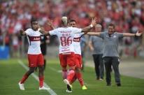 Inter deixa escapar vitória sobre o Paraná nos acréscimos