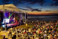 Sol, friozinho e musical na orla do Guaíba marcam domingo dos porto-alegrenses