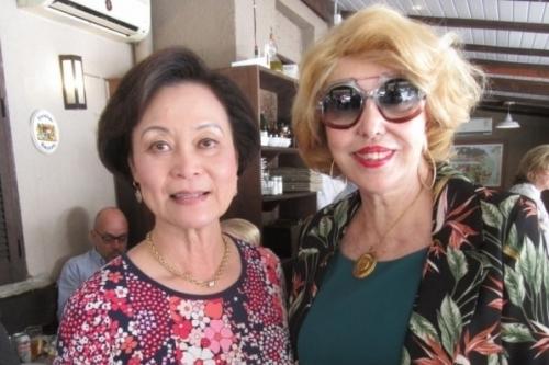 Alice Shan e Maria Thereza Druck Bastide participaram do almoço festivo em torno do colunista