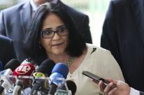 Nos EUA, Damares defende Eduardo Bolsonaro como embaixador do Brasil