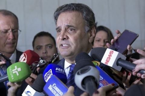 Operação mira 'mesada' da JBS para Aécio Neves