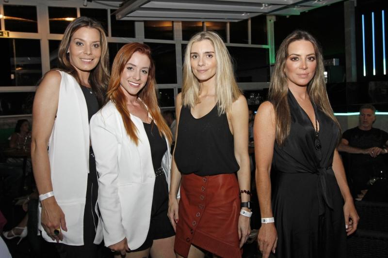Priscila Doroche, Luisa Hager, Júlia Fleck da Rosa e Fernanda Kunzler Bortoncello  no Sui Rooftop