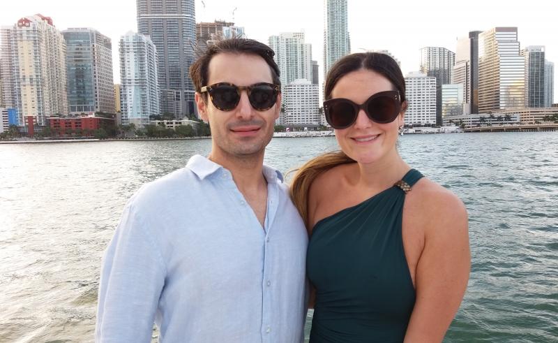 Rui Filipe Gonçalves e Paola Panizzon com Miami  ao fundo