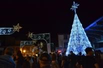 Programação do Natal Borbulhante segue até quinta-feira na praça Loureiro da Silva