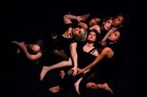 Montagem explora poesia, teatro e dança contemporânea