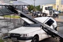 Temporal e forte vendaval causam estragos em São Leopoldo