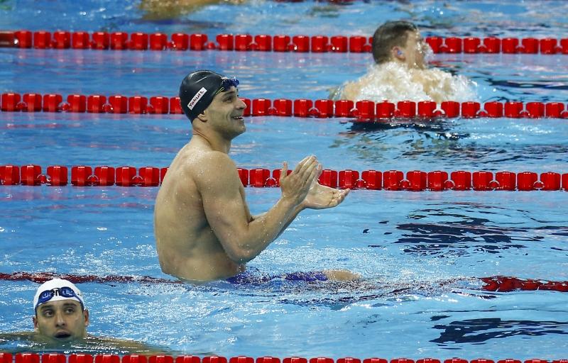 País terminou o campeonato com oito medalhas, sendo duas de ouro, com Nicholas Santos (c)