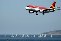 Azul assina acordo para comprar a Avianca Brasil