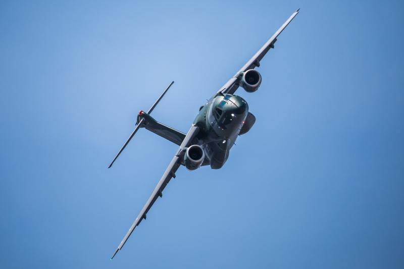 Fusão prevê segunda empresa para atuar no mercado do avião KC-390