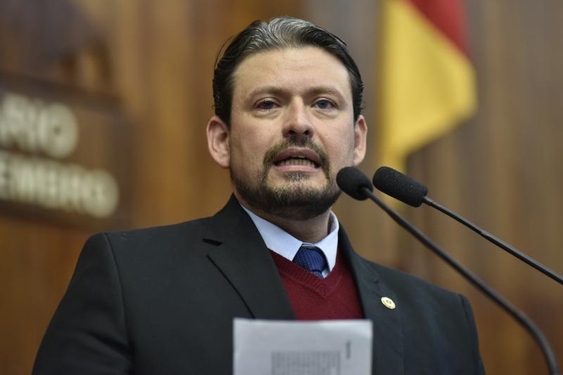 Deputado Edu Oliveira (PDT) é investigado por fraudes pelo Ministério Público