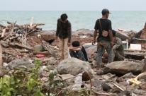 Aumenta para 373 o número de mortos após tsunami na Indonésia