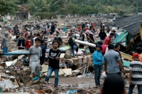 Autoridades pedem que moradores evitem áreas de risco na Indonésia