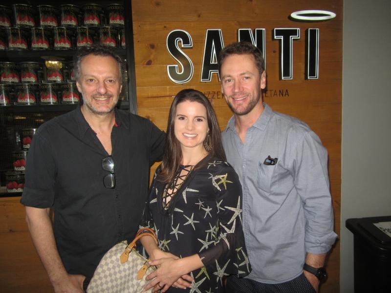 Mariano Scorpaniti recebeu Letícia e Luis Paulo Effting na pizzaria Santi