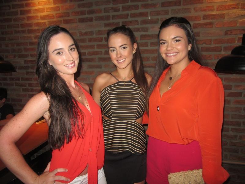 Rachel Russowsky, Bruna Bresolin e Vitória Raupp na Amiche Pizzeria Napoletana
