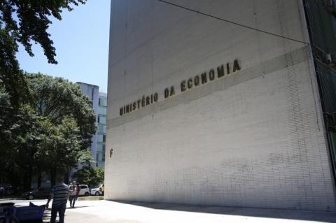 Governo corta projeção do PIB de 2020 de 2,40% para 2,10%