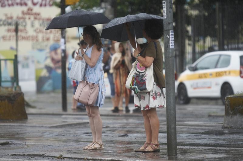 Clima deverá ser marcado por temperaturas elevadas e precipitações fortes e isoladas