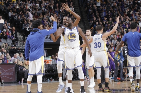 Warriors reage e vence Kings fora de casa na NBA; Milwaukee perde do Raptors