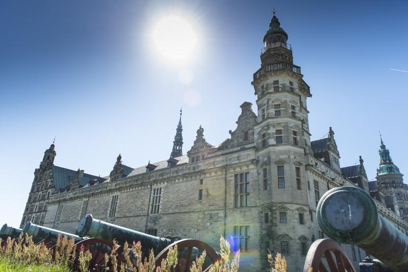No castelo de Kronborg, em tempos de guerra, canhões guarneciam Dinamarca contra Suécia