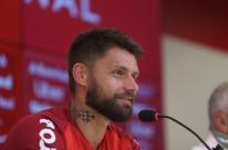 Sóbis revela inspiração em Fernandão e diz que realiza 'sonho' com volta ao Inter