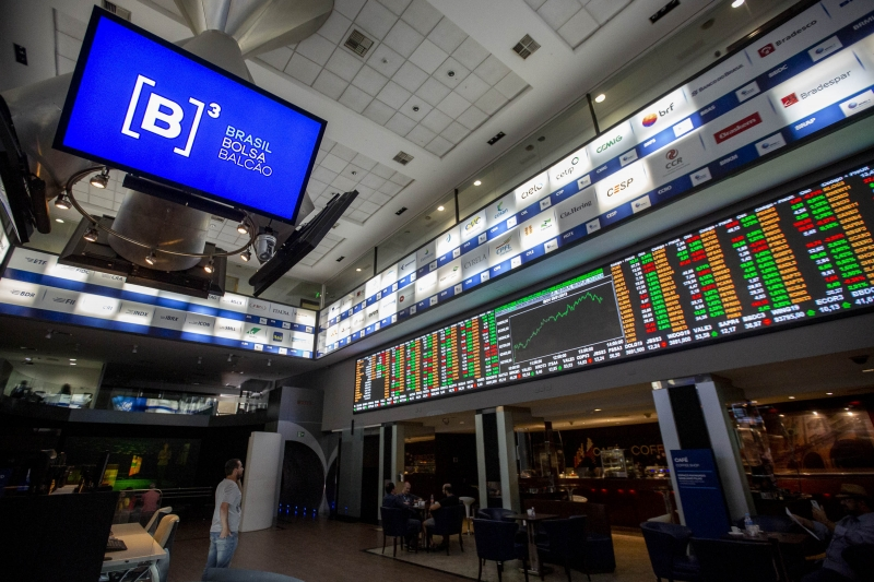 As blue chips Petrobras PN subiu 0,39%, Vale ON ganhou 0,34% e Gerdau PN avançou 1,01%
